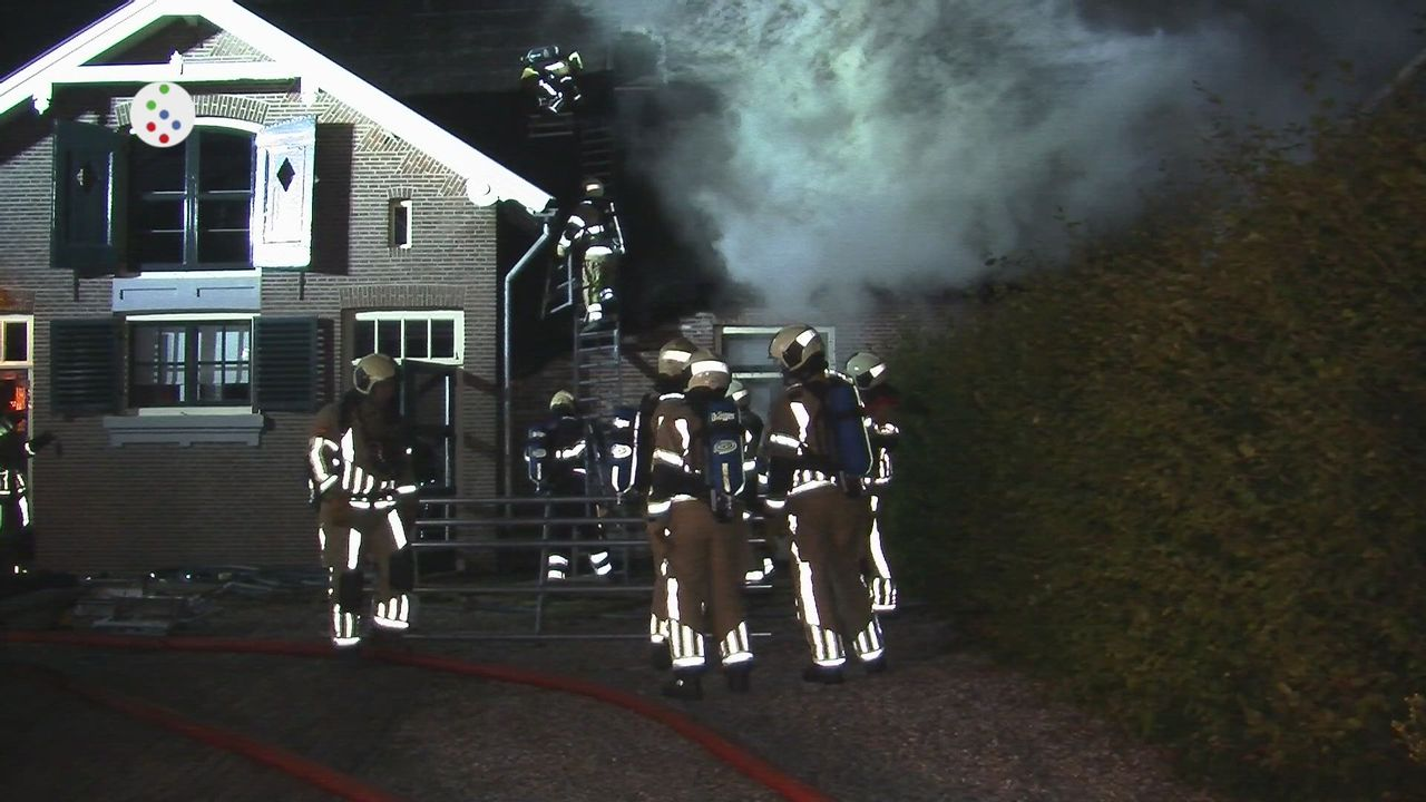 Oog op De Bilt - Brand kantoorboerderij met rieten dak